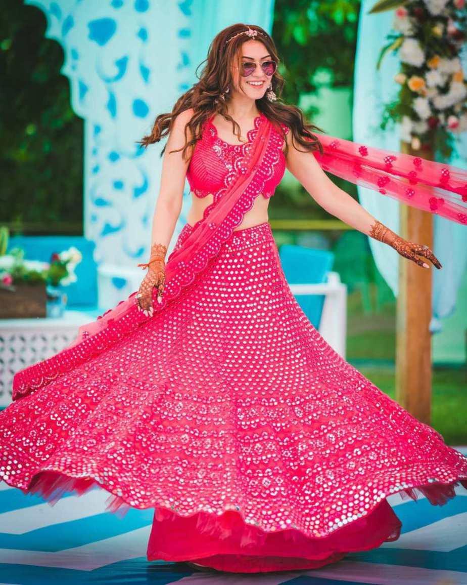 Hansika in pink abhinav mishra lehenga for brother's wedding day 3-3