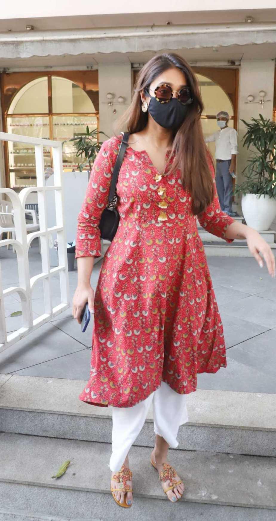 Ileana D' Cruz in brick red kurta spotted in Bandra-1