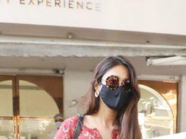Ileana D' Cruz in brick red kurta spotted in Bandra-2