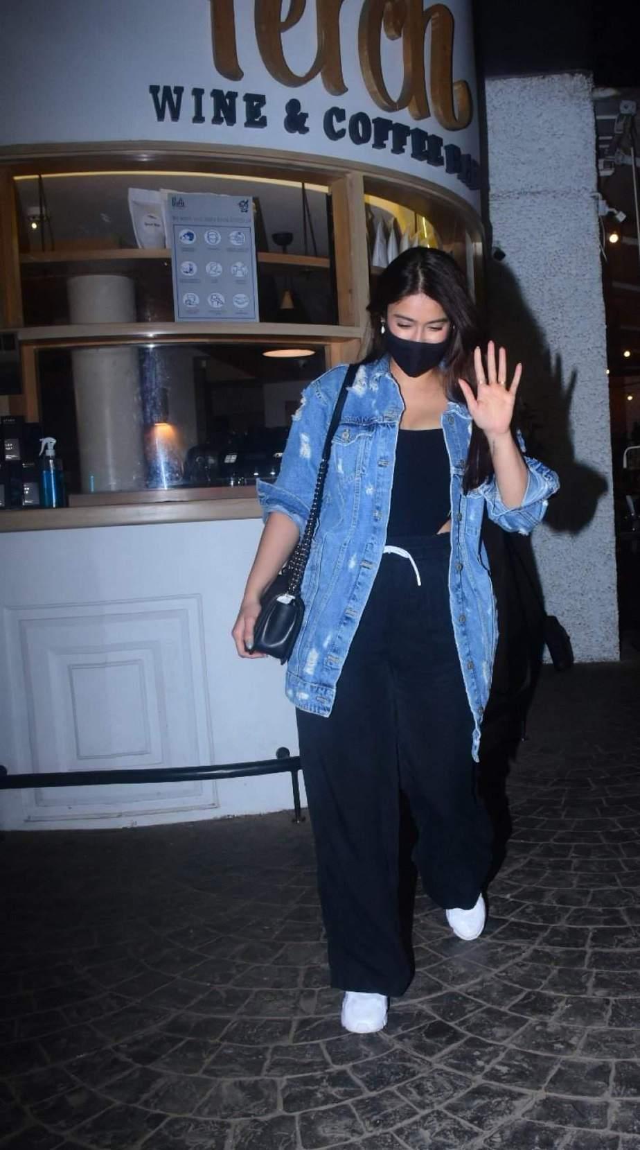 Ileana in casual black outfit in Bandra3