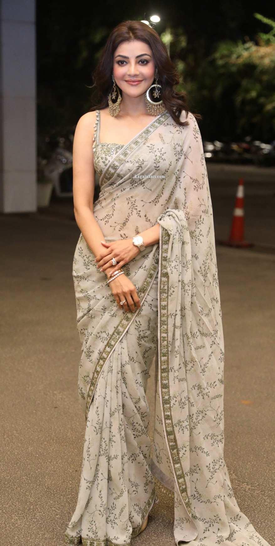Kajal Aggarwal in olive green Arpita Mehta saree for mosagallu pre-release event-4