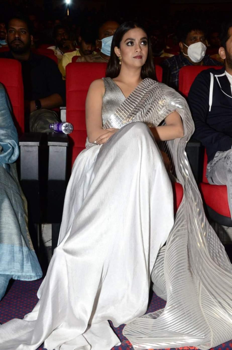 Keerthy Suresh in a metallic silver pre-draped saree for rang de pre-release event-2