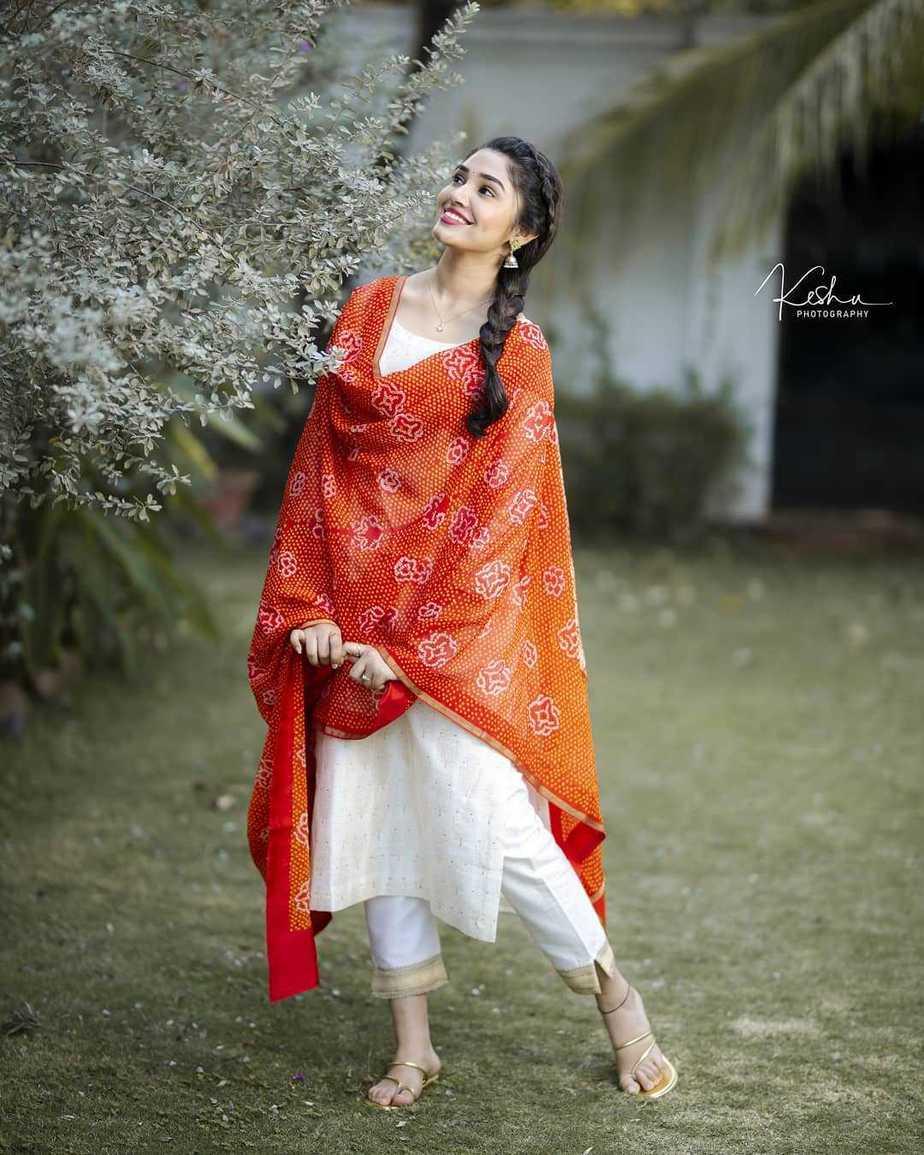 Krithi Shetty in a white kurta set by Bhargavi Kunnam-2