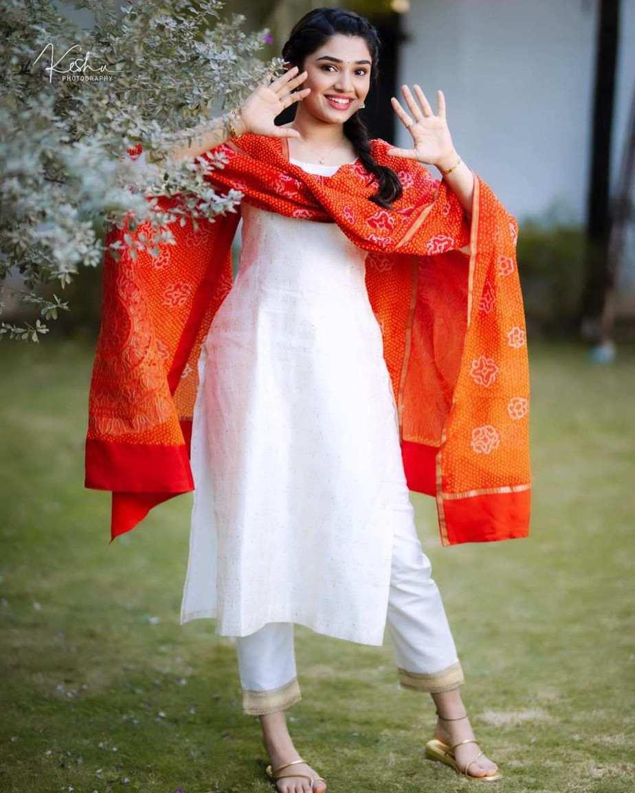 Krithi Shetty in a white kurta set by Bhargavi Kunnam-3