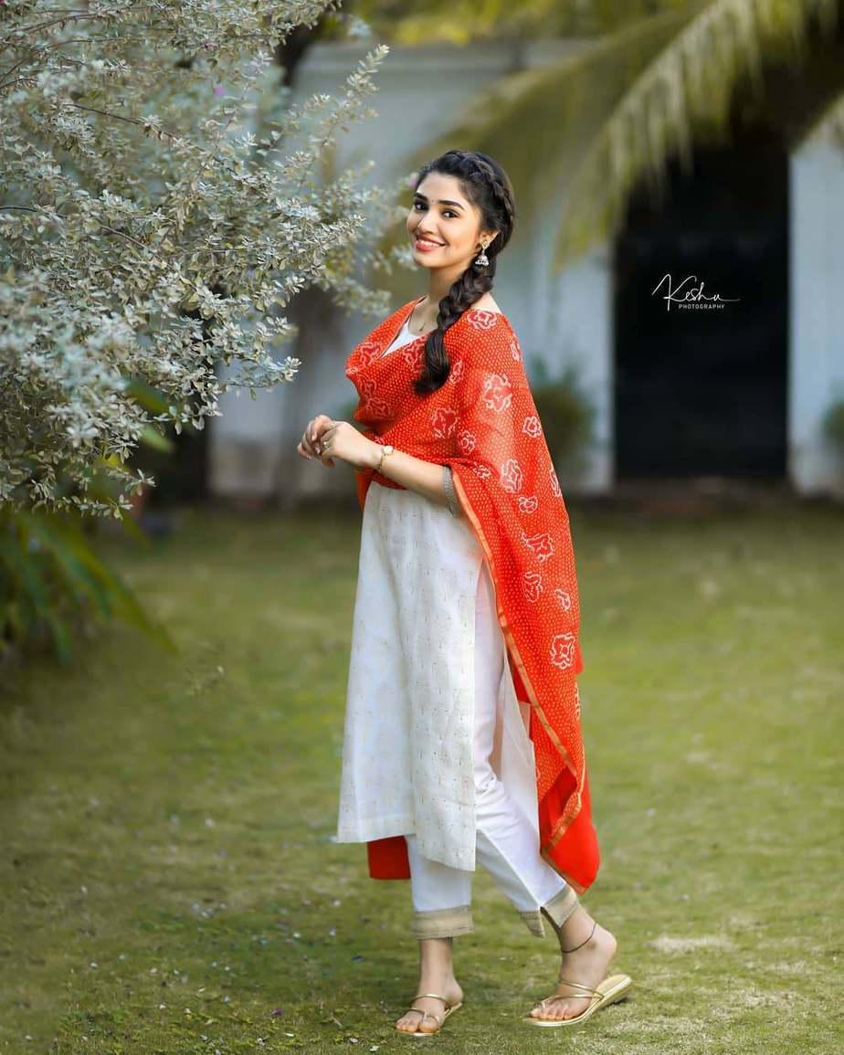 Krithi Shetty in a white kurta set by Bhargavi Kunnam