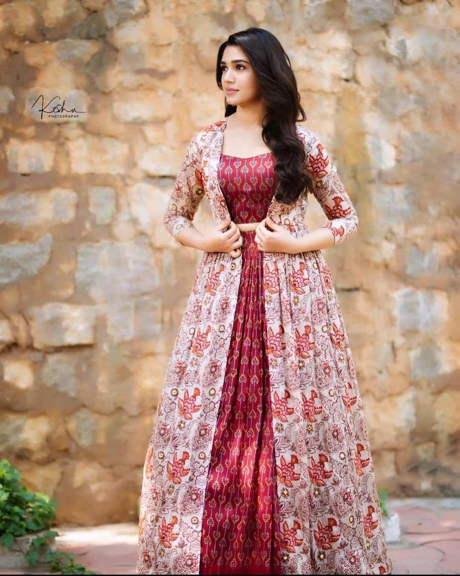 Krithi Shetty in brick red kalamkari ethnic outfit by Label anushree-1