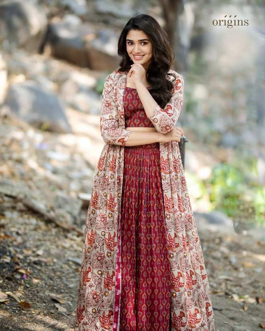 Krithi Shetty in brick red kalamkari ethnic outfit by Label anushree-2