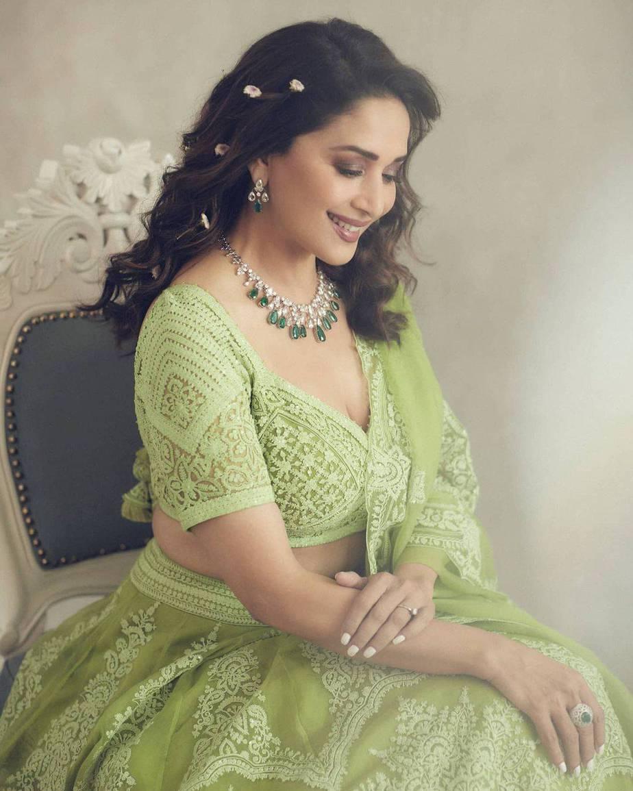 Madhuri Dixit Nene in torani lehenga for Dance deewane-3