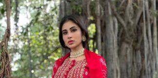 Mouni Roy in red kurta set from Pink City by Sarika-1