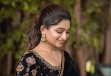 Nakshathra Nagesh in a black saree by Swadh-2