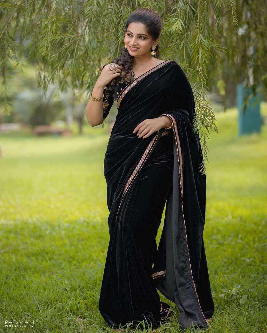 Nakshathra Nagesh in a black saree by swadh