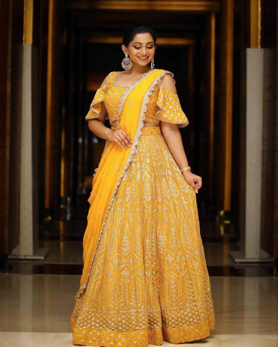 Nakshatra Nagesh in yellow lehenga by sameena-1