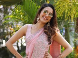 Neha Shetty in a pink saree by Mrunalini Rao-4
