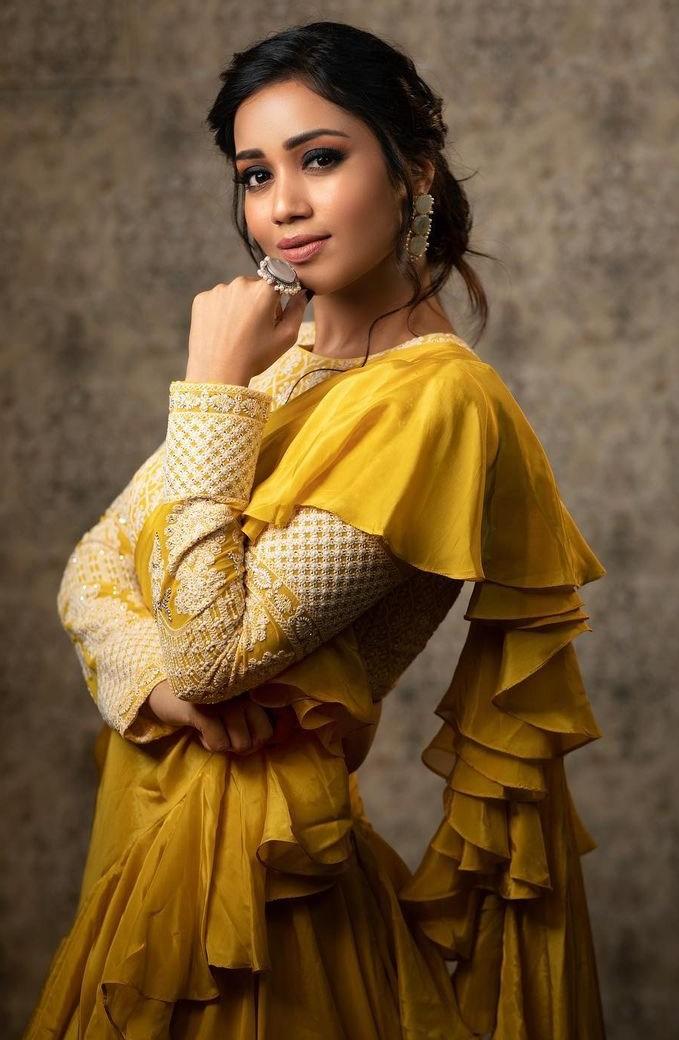 Nivetha Pethuraj in gold yellow ruffle lehenga by Indishree label-3