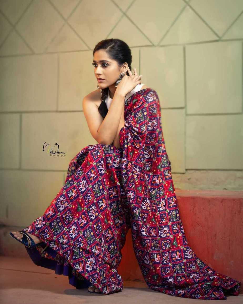 Rashmi Gautam in maroon Ikat saree by Sleek Chic Couture-3