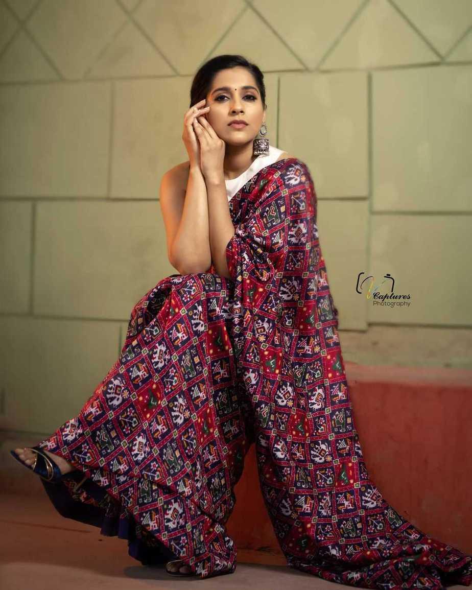 Rashmi Gautam in maroon Ikat saree by Sleek Chic Couture