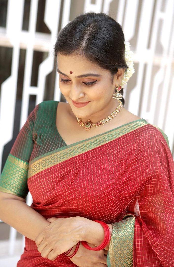 Remya Nambessan in red mangalgiri saree by Thenmozhi designs-2