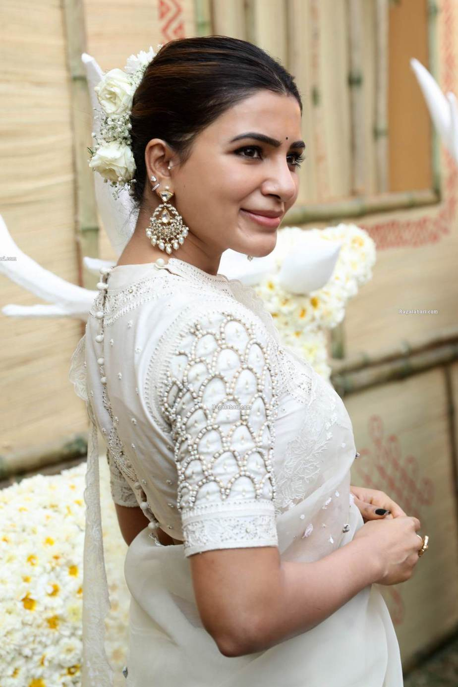 Samantha in off white saree by house of three for Shakuntalam muhurat-1