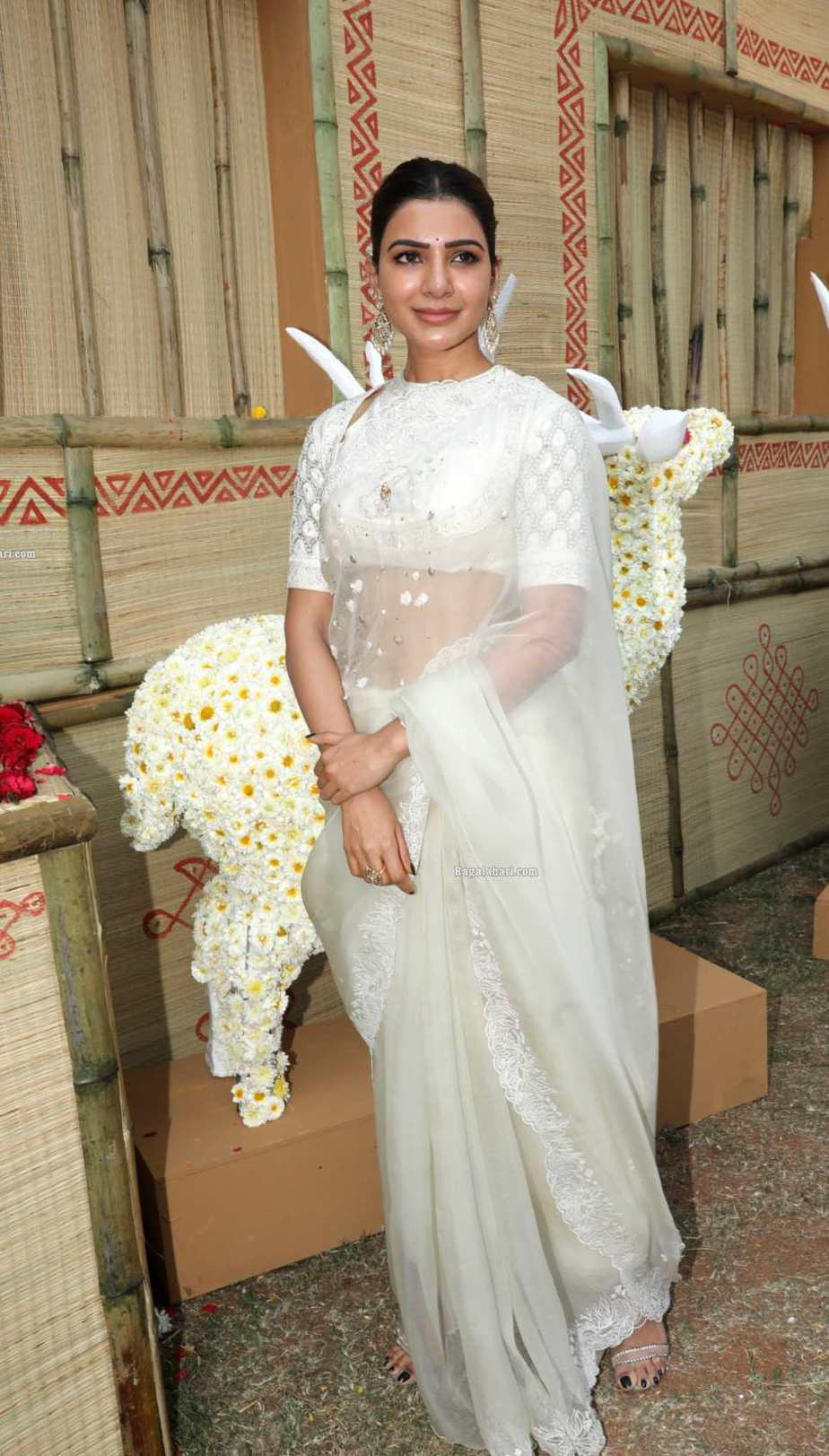 Samantha in off white saree by house of three for Shakuntalam muhurat