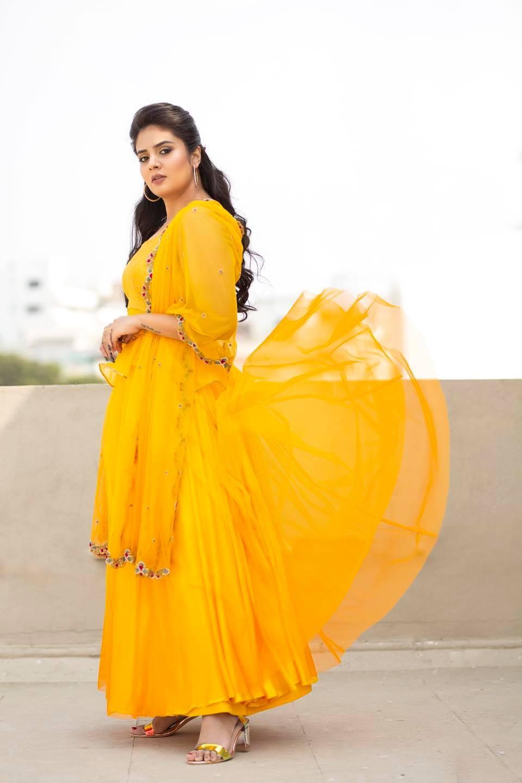 Sreemukhi in a yellow outfit by Anitha Sagar Tenali for wild dog press meet-3