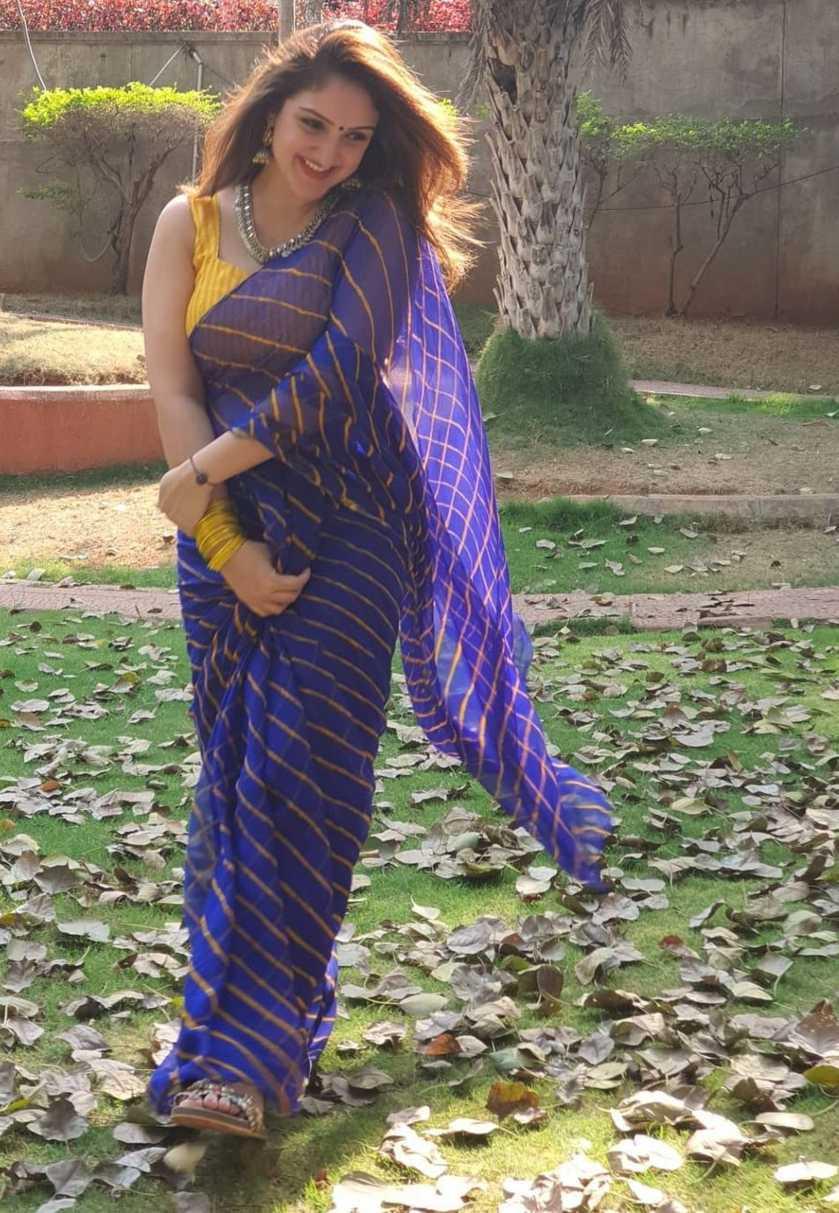 Sridevi Vijaykumar in a blue saree for holi-1
