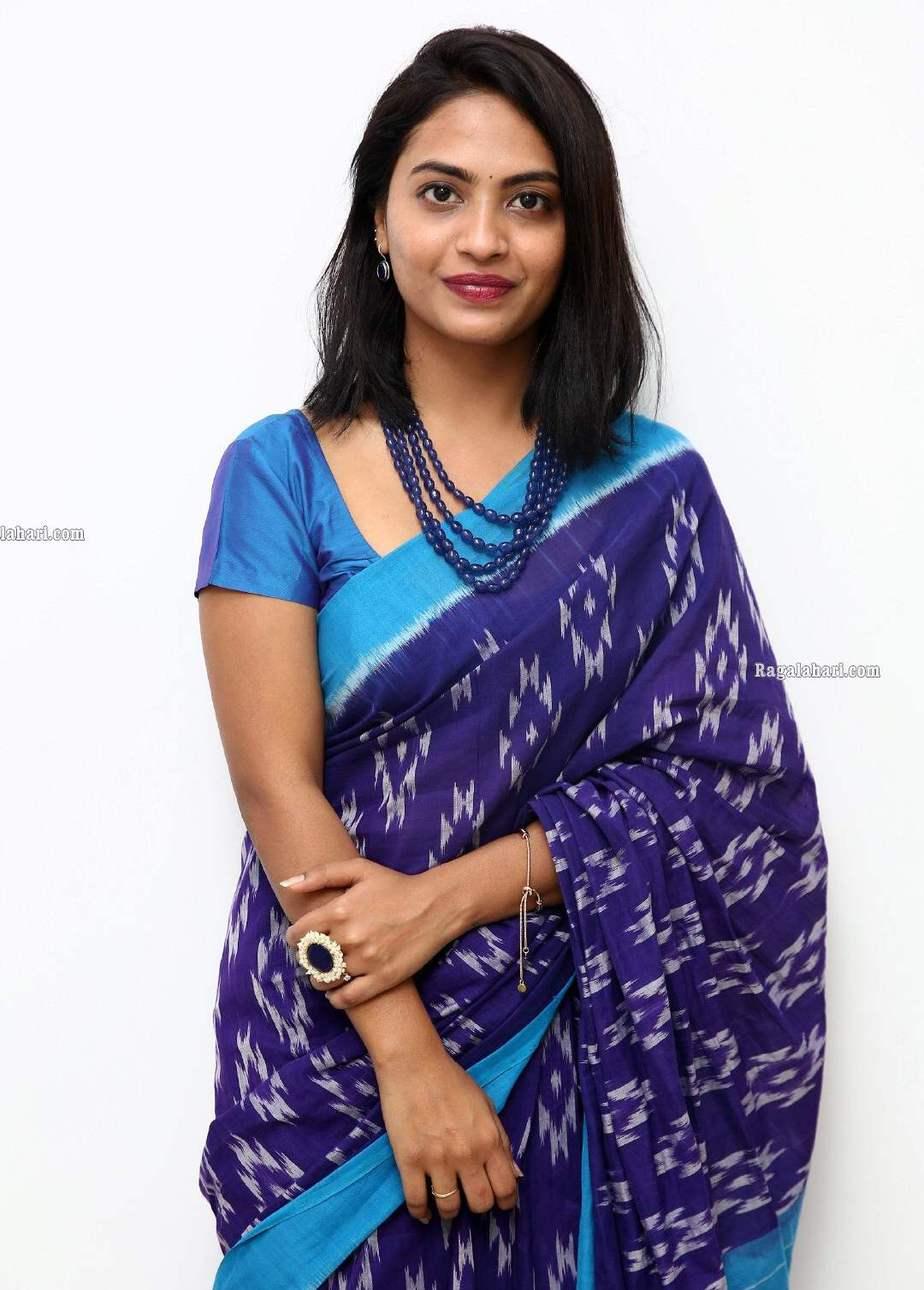 alekhya harika in blue indigo blue handloom saree