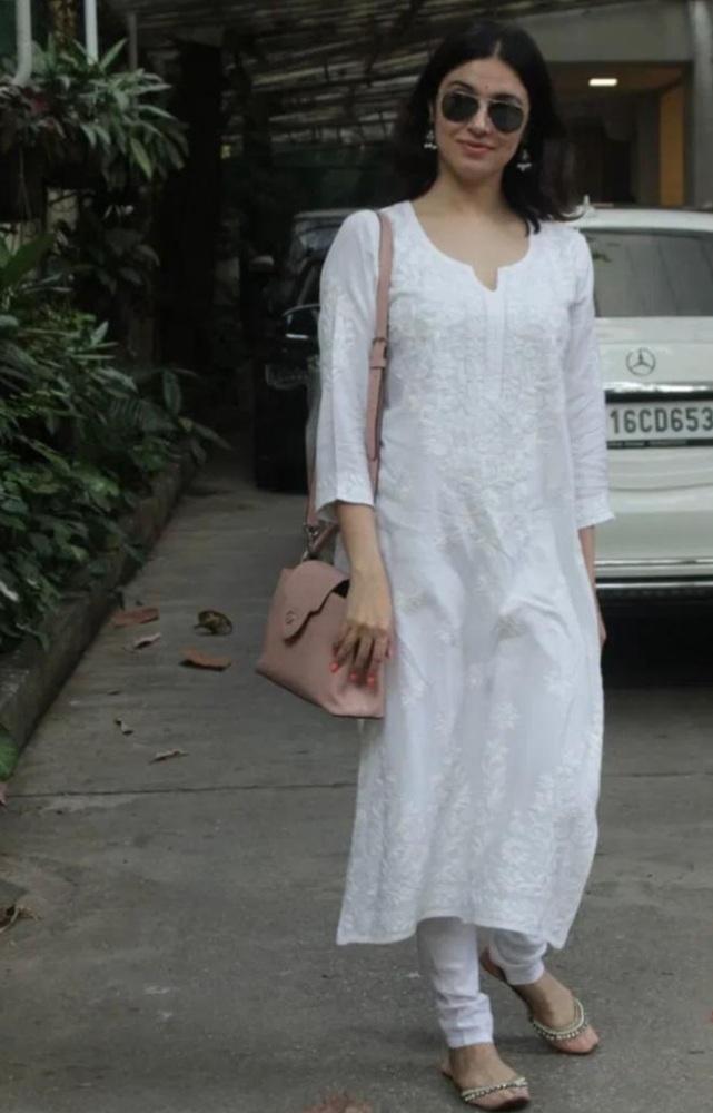 divya khosla kumar in white ethnic outfir