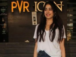 janhvi kapoor in white tee and ripped jeans