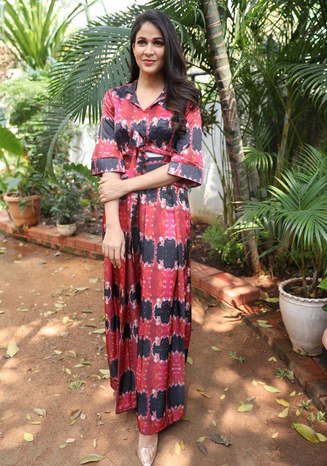 lavanya tripathi in printed skirt at a1 express interview