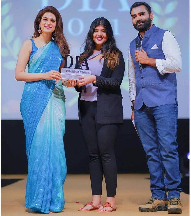shraddha das at DIA awards hyderabad