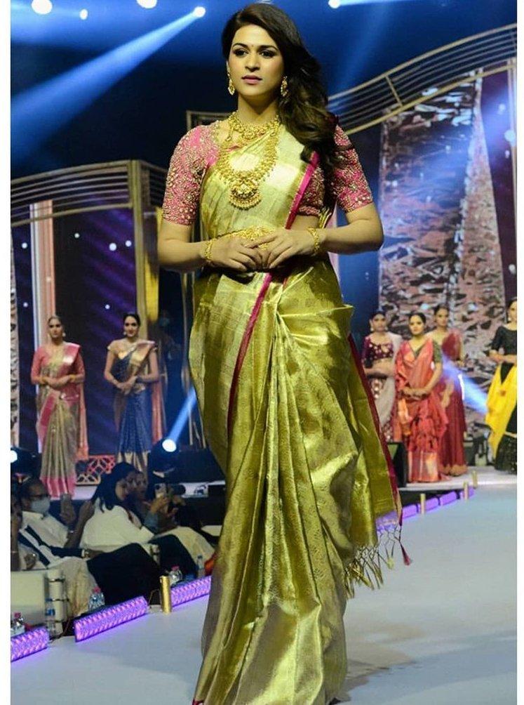 shraddha das at lifestyle and bridal fashion hyderabad