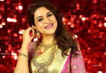 shraddha das at lifestyle and bridal fashion week in gold kanchipuram saree