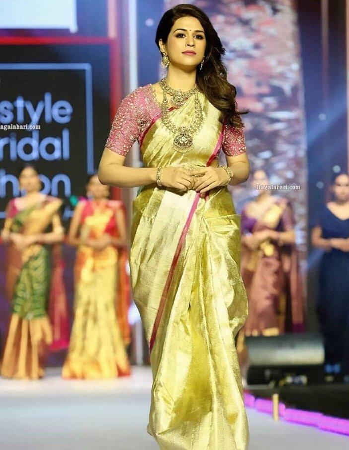 shraddha das at lifestyle and bridal fashion week