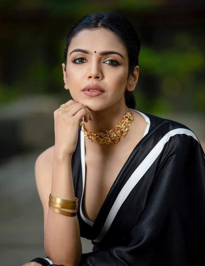 shriya pilgaonkar in a black saree with white highlights by kshitij jalori