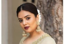 sreemukhi women day photo in traditional look