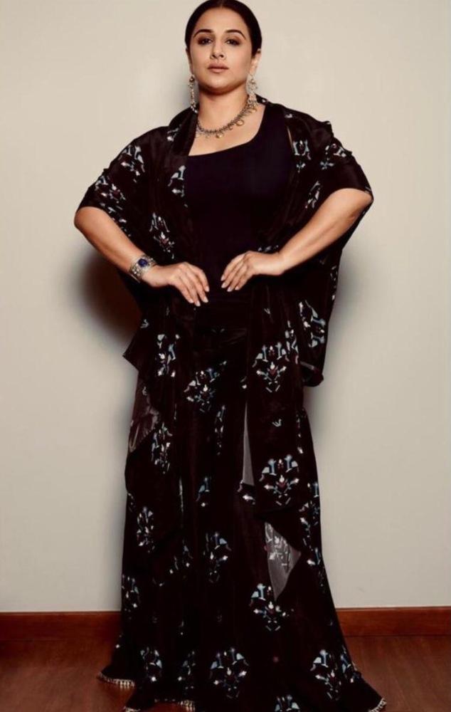 vidya balan in black ethnic dress by sva couture