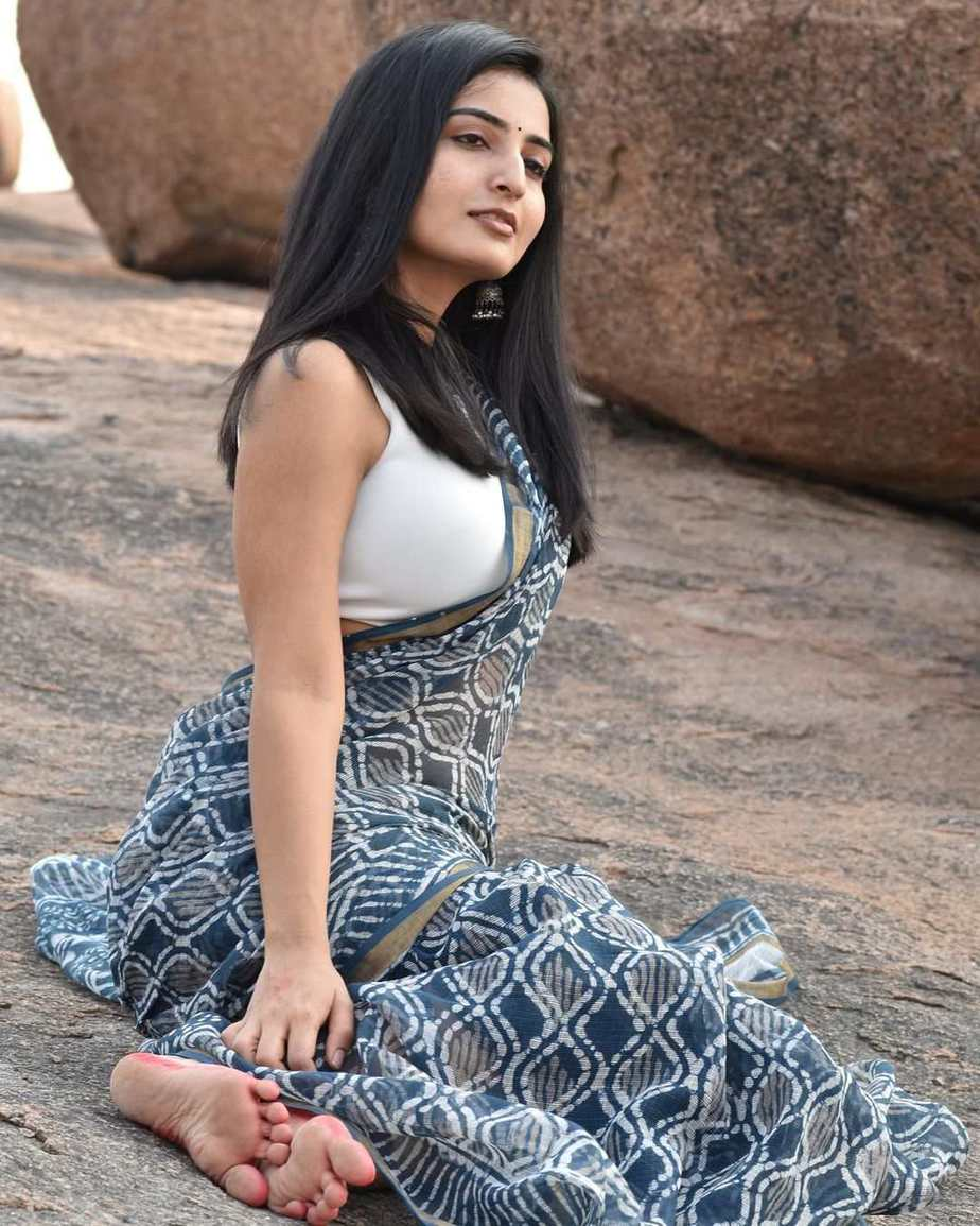 Ananya Nagalla in an indigo saree for unnati silks for ram navami-2
