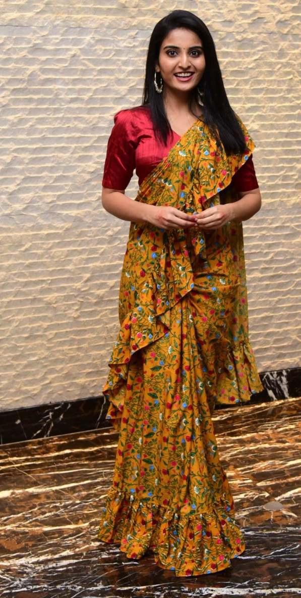 Ananya Nagalla in yellow ruffle saree for Vakeel Saab magavu nee Vijayam event-3