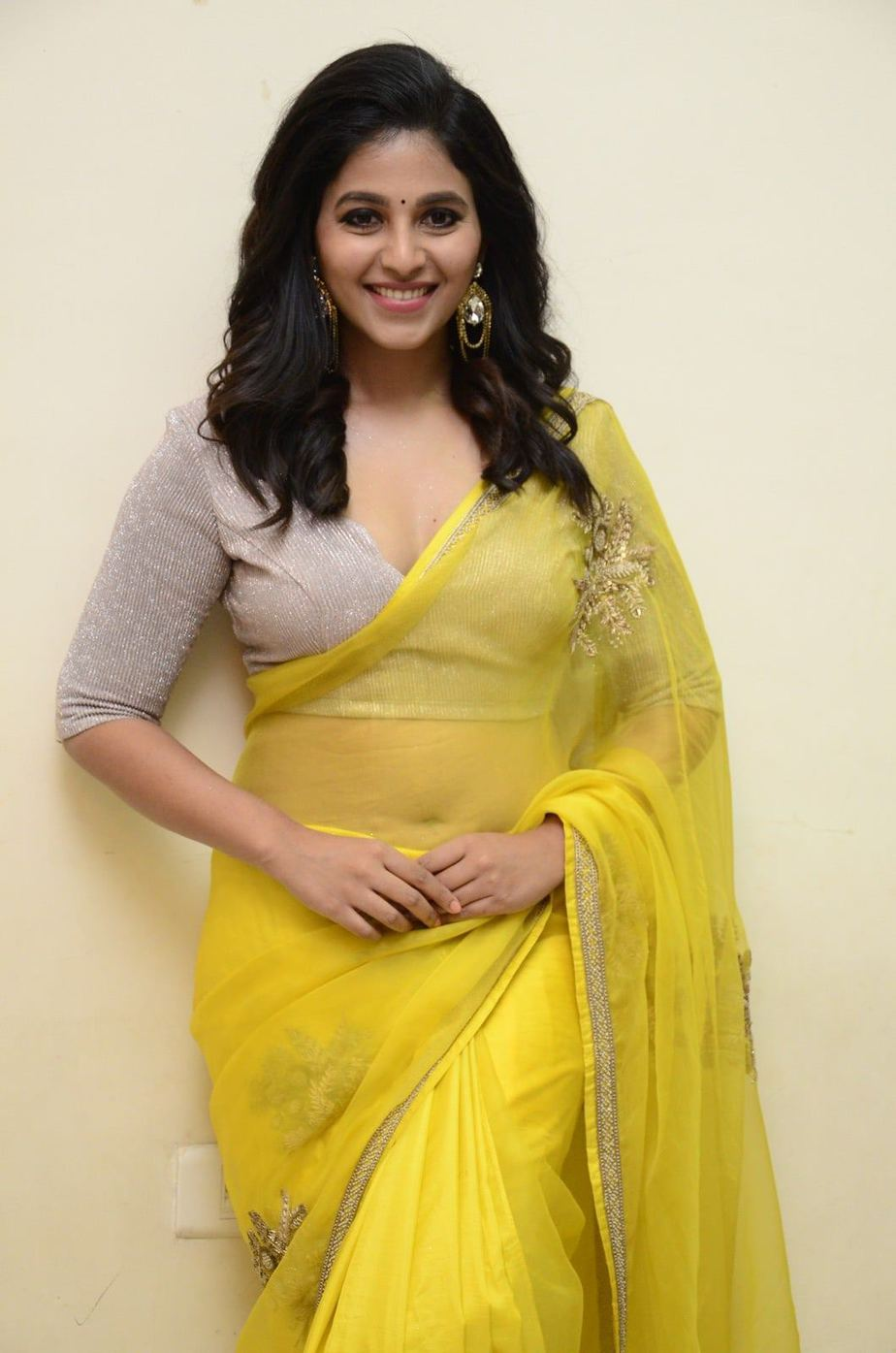 Anjali in a yellow saree for Vakeel saab pre release event-3