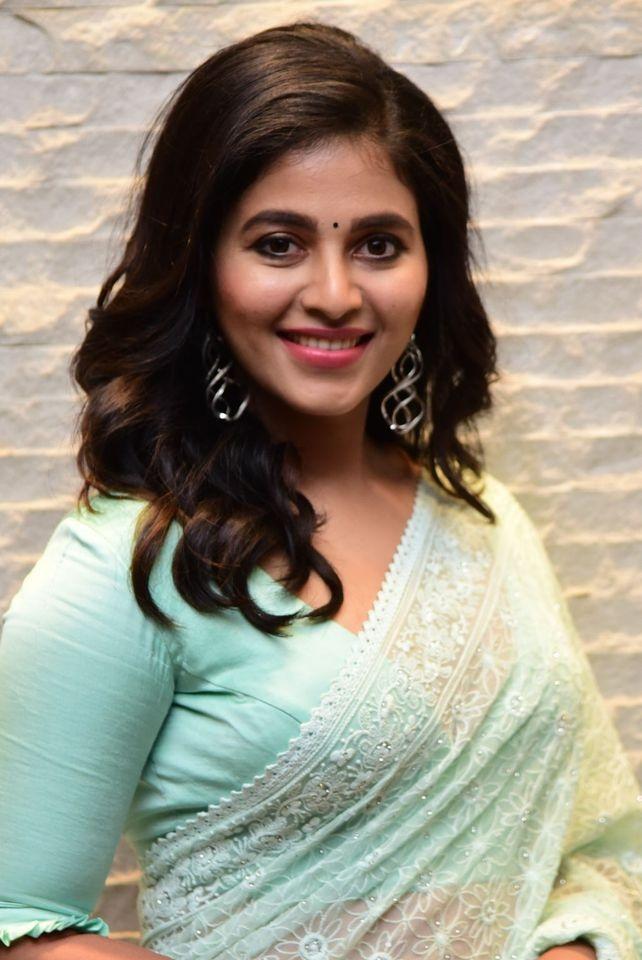 Anjali in mint green saree for magavu nee vijayam event for Vakeel saab