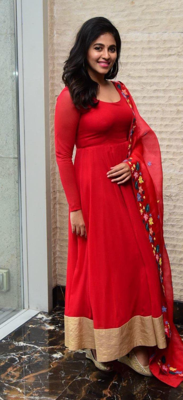 Anjali in red anarkali in vakeel saab promotions1.3