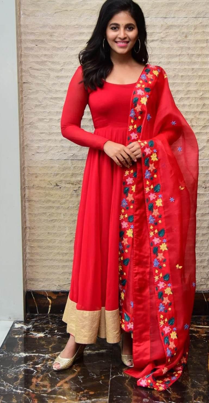 Anjali in red anarkali in vakeel saab promotions1.4
