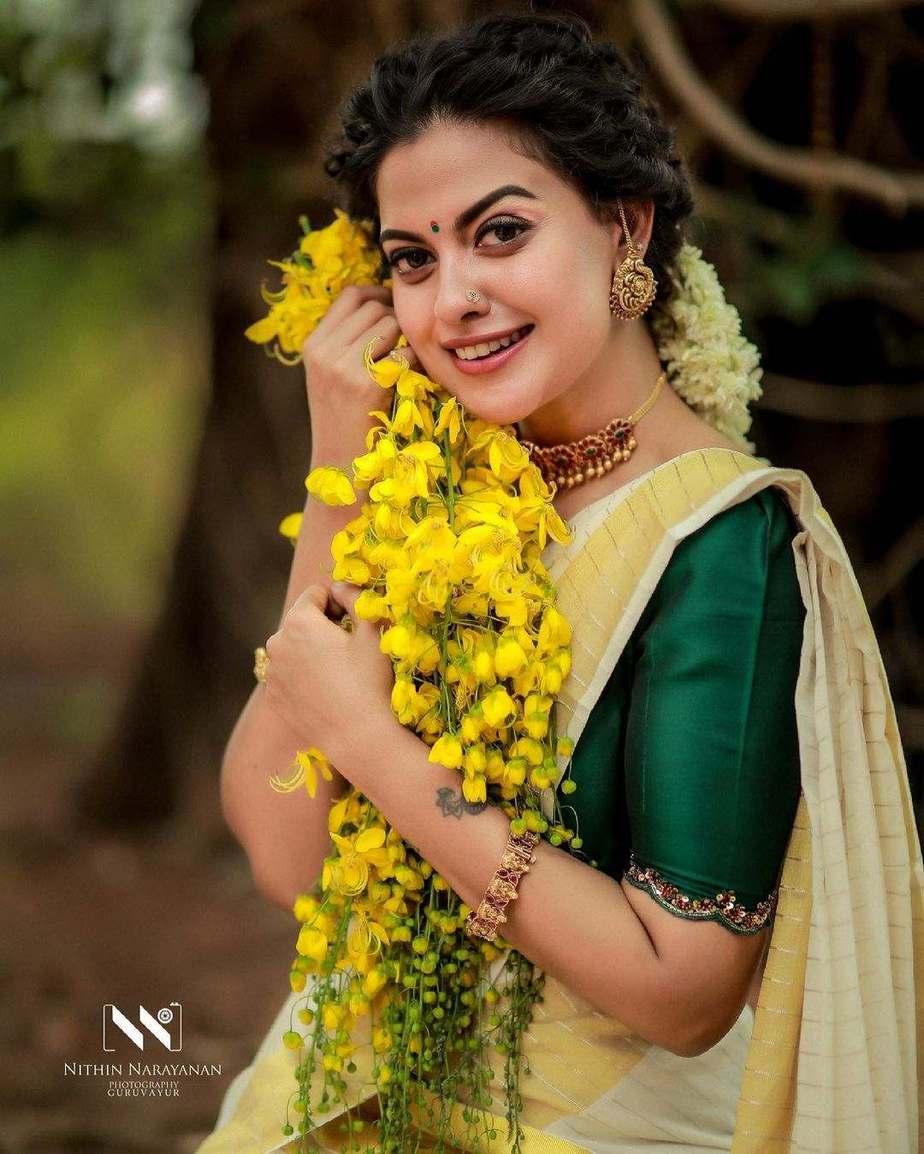 Anusree Nair in set mundu by khajuraho for Vishu-1