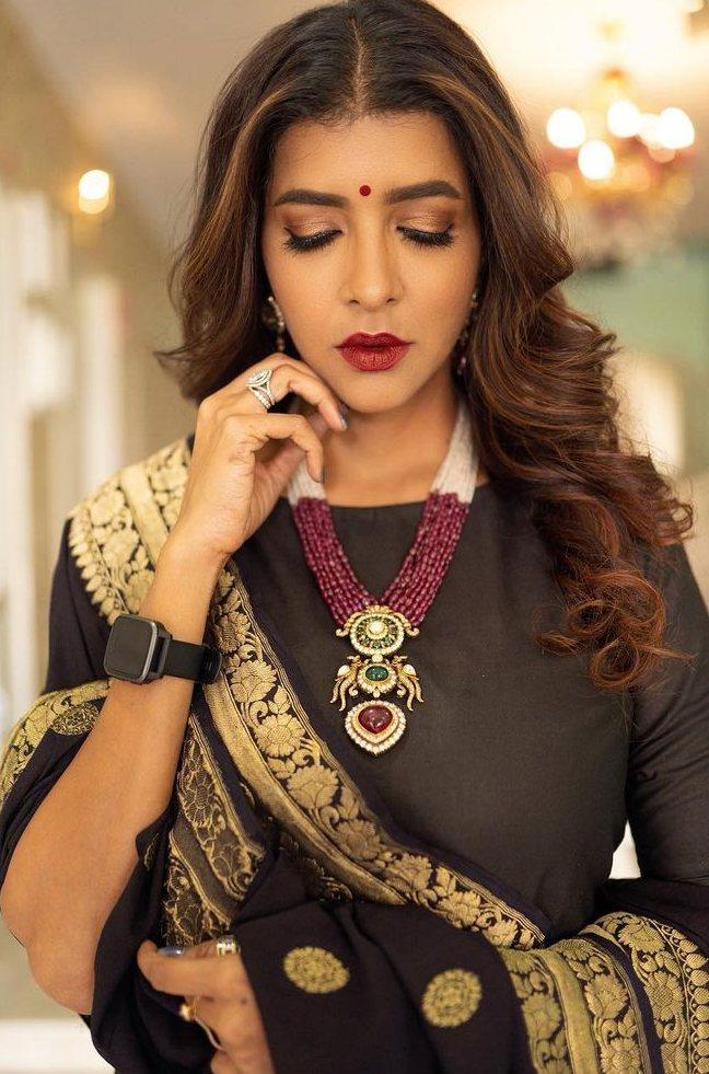 Lakshmi Manchu in black suit by Raga Kunche and dupatata by Rajyalakshmi -1