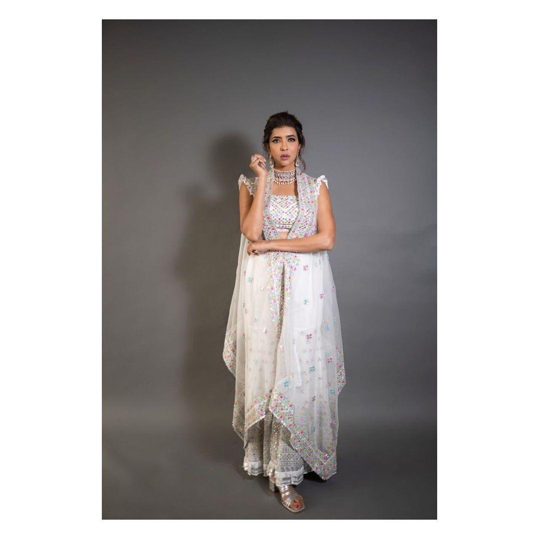 Lakshmi Manchu in gopi vaid designs for ugadi event on zee telugu-1