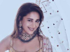 Madhuri Dixit in kurta ghagra set by Tamanna Punjabi Kapoor for Dance Deewane-2