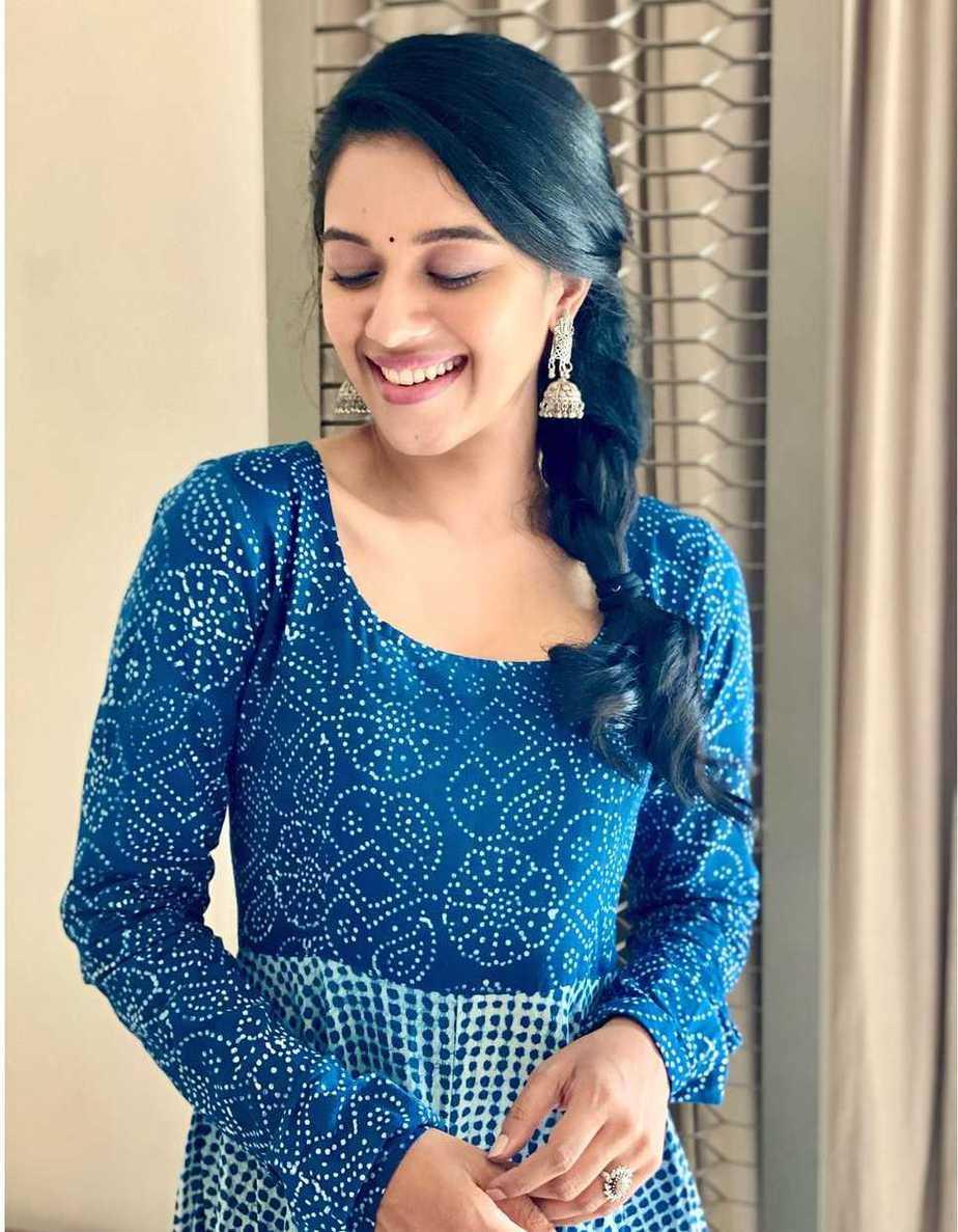 Mirnalini Ravi in indigo kurta set by tamara-1
