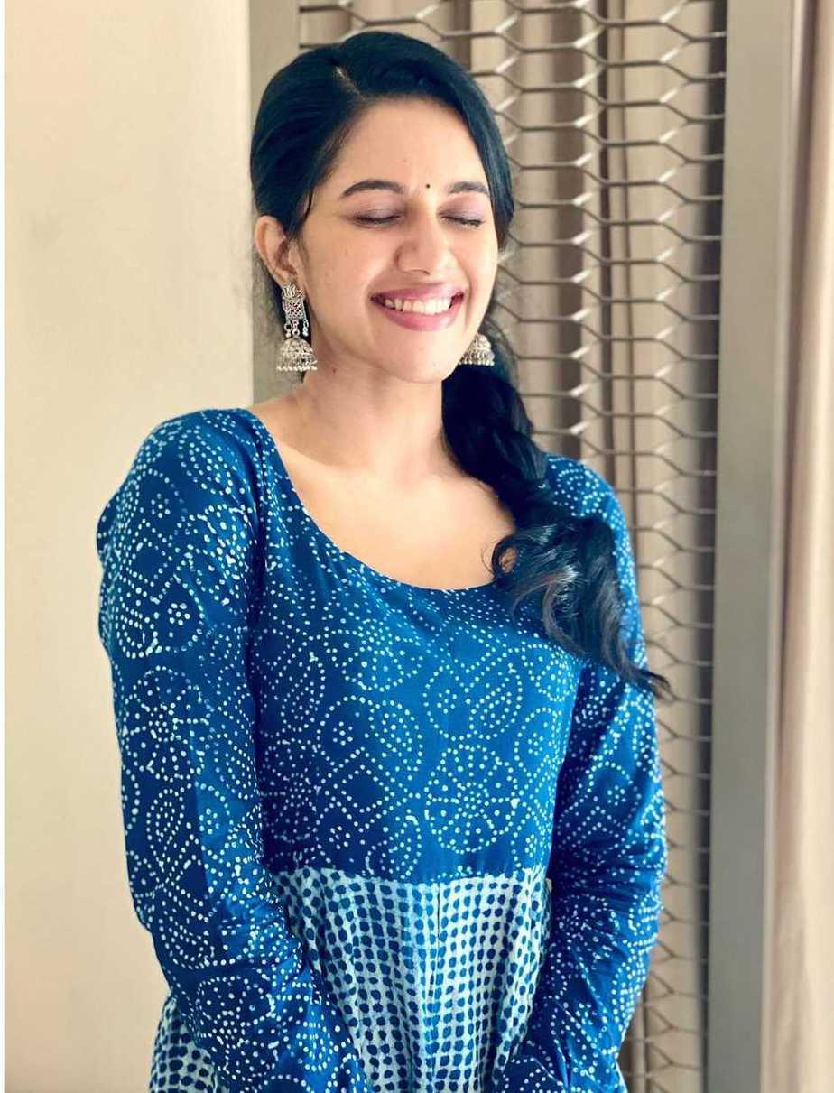 Mirnalini Ravi in indigo kurta set by tamara-2