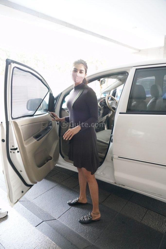 Pooja Hegde in mocha dress at dubbing studio-1