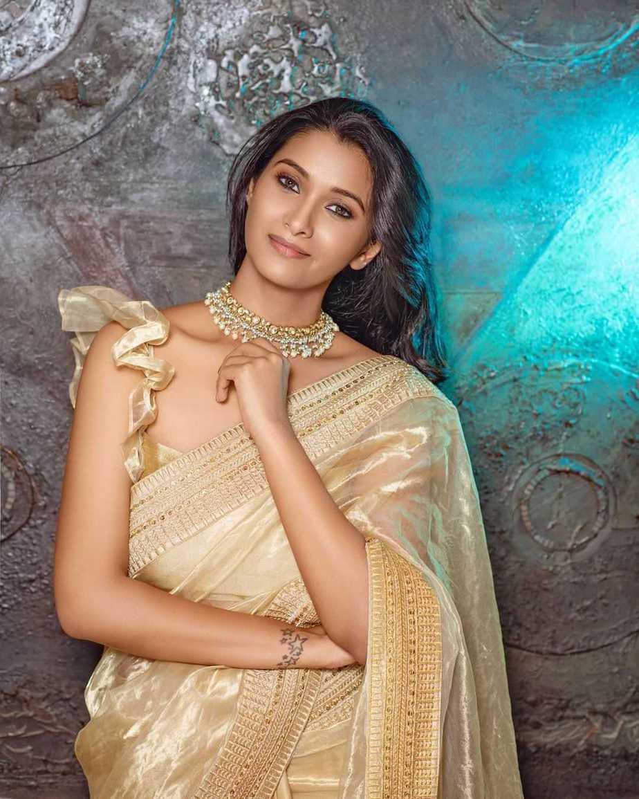 Priya Bhavani Shankar in gold saree by Ashwin Thiyagarajan-1